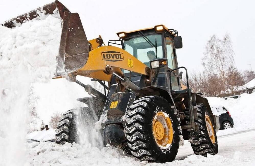 Где заказать трактор для уборки снега